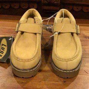 Lugz Shoes - NWT  MENS LUGZ SRTUT LOW W/ STRAP Size 6.5